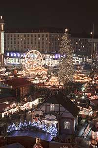 Der Striezel-Markt in Dresden
