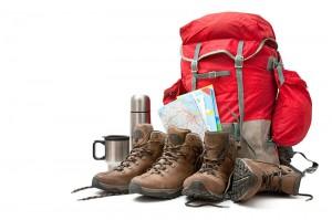 wanderausruestung-schuhe-karte-rucksack