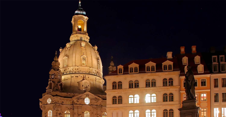 Neumarkt vor Frauenkirche Dresden