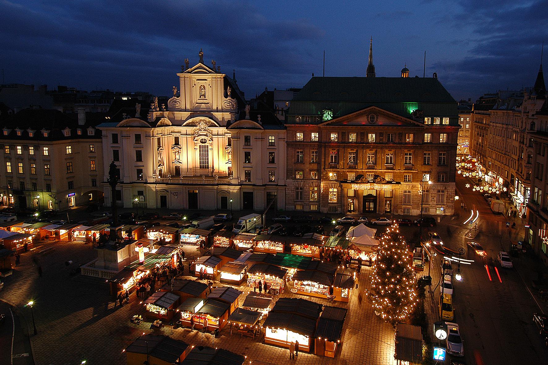 Adventsmarkt am Hof in Wien