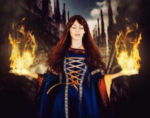 Mittelalter Frau mit Feuer