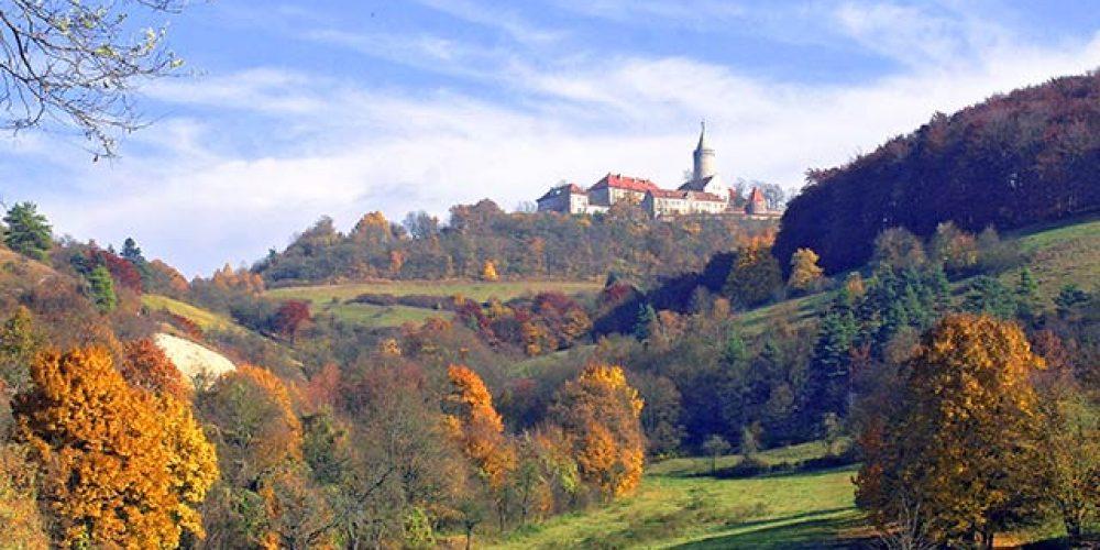 Thüringer Leuchtenburg in Herbstfarben