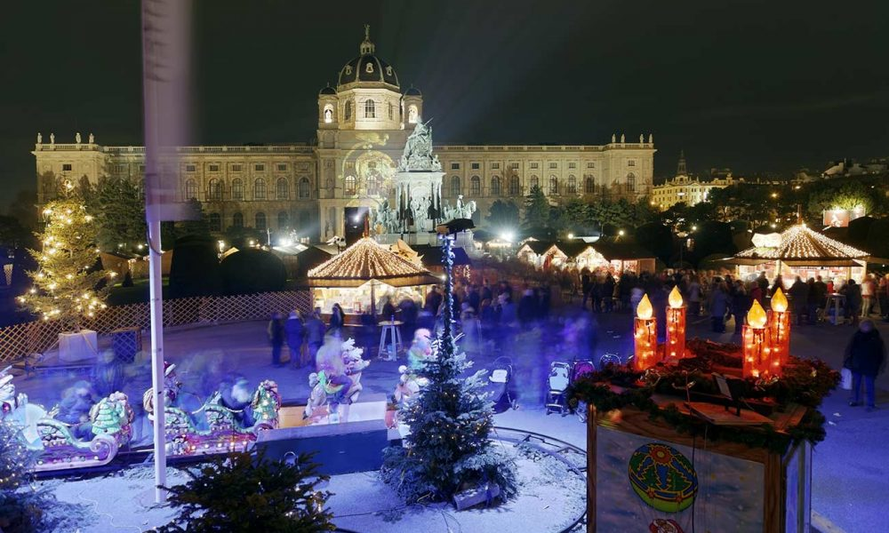 Weihnachtsdorf am Maria Theresien Platz
